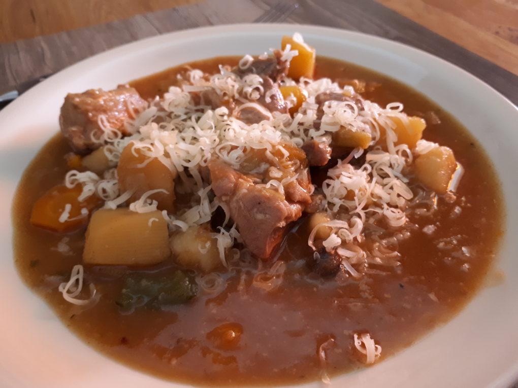 Stew mit Schweinefleisch im Instant Pot