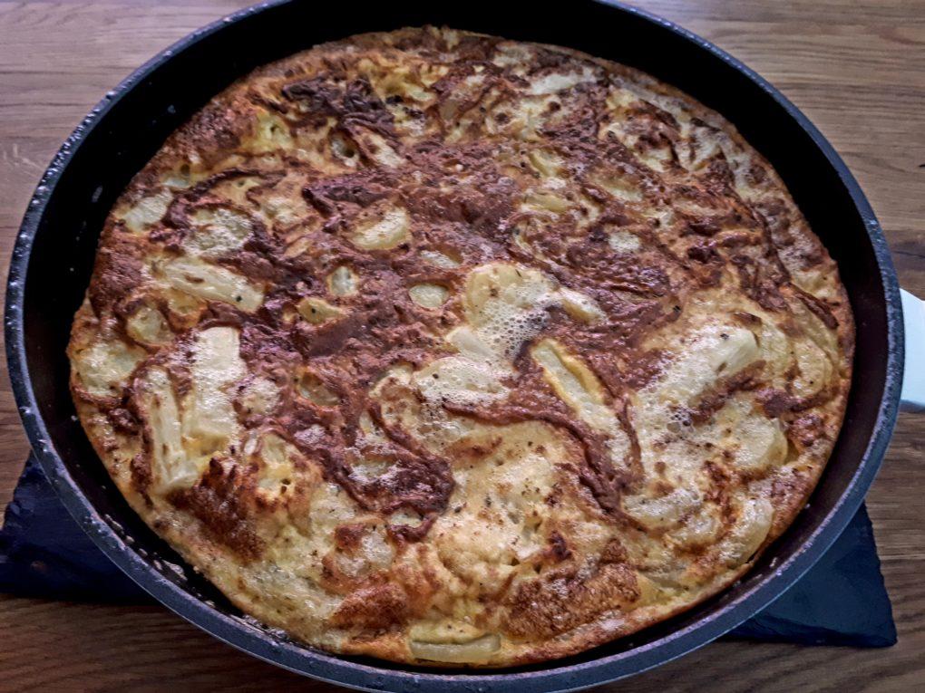 Frittata mit Spargel, Kartoffeln und Speck