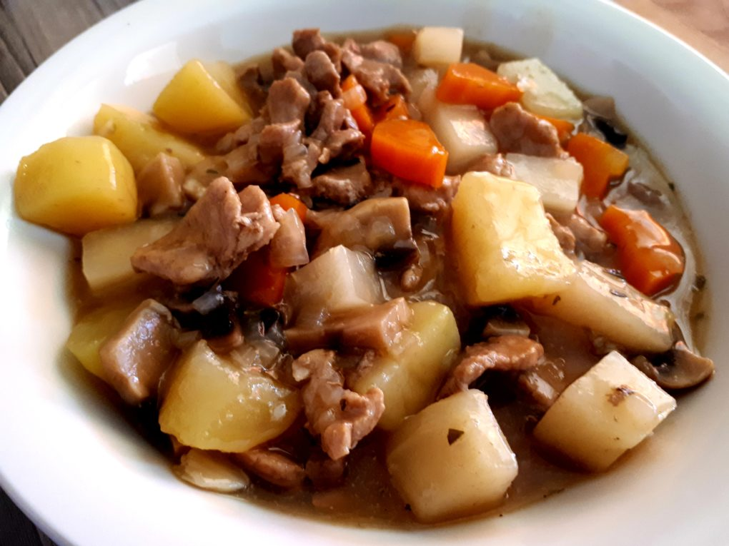 Fleisch- Gemüseeintopf im Instant Pot® (Slowcooker)