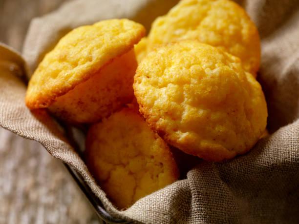 Corn Muffins (Maismehl-Muffins)