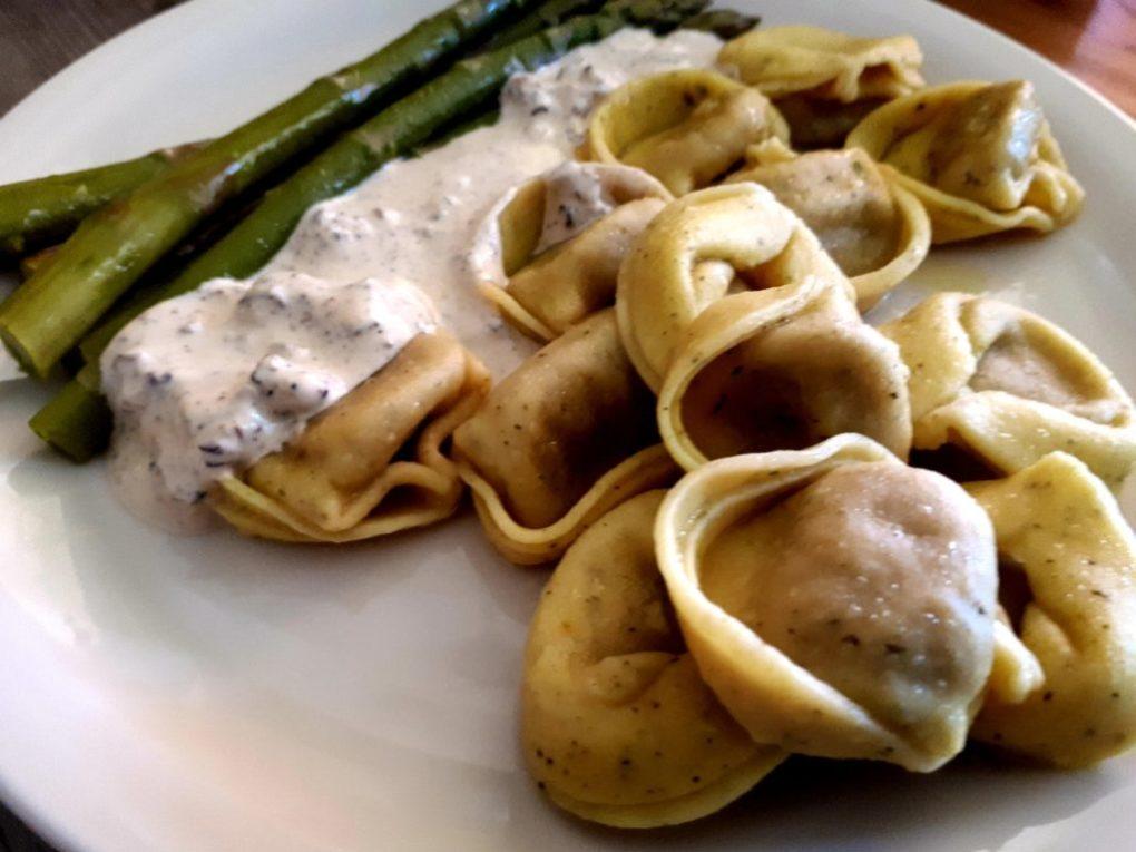 Tortellini gefüllt mit Champignons
