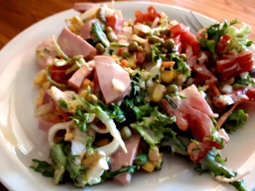 Farbenfroher gemischter Salat