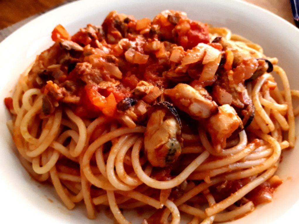 Spaghetti frutti di mare - mit Meeresfrüchten