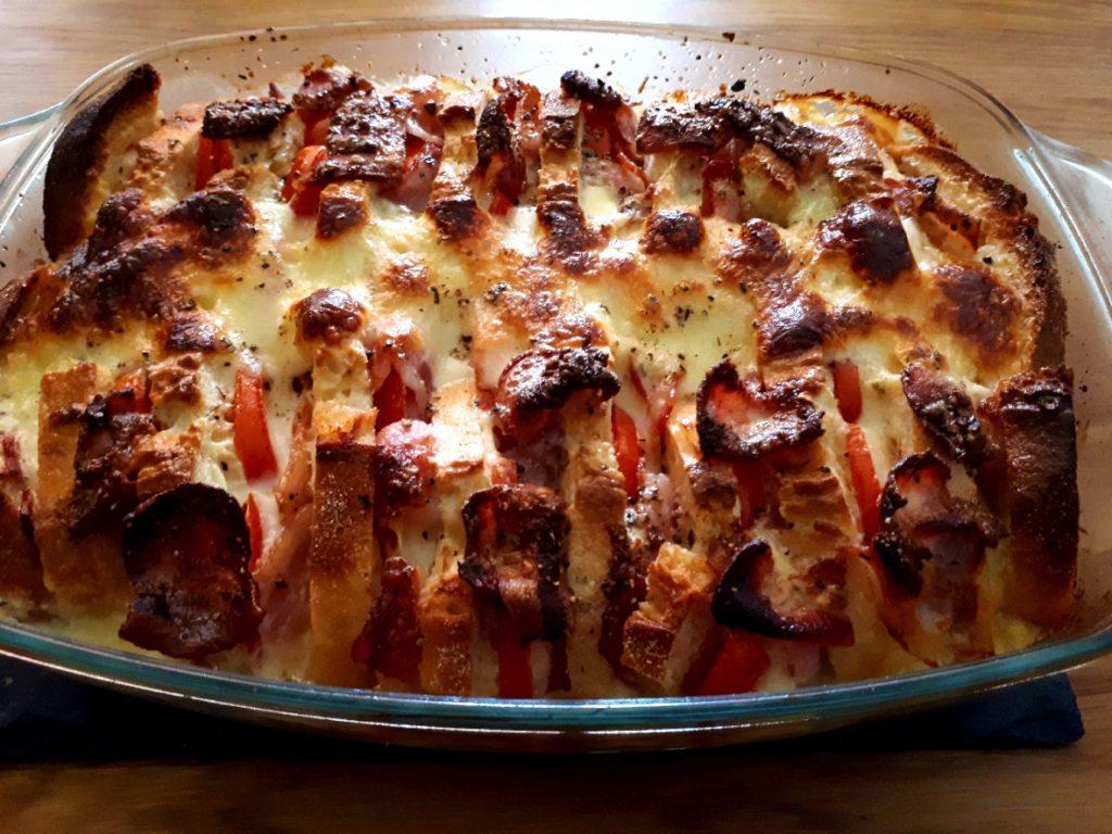Ciabatta-Tomaten-Mozzarella-Speck-Auflauf