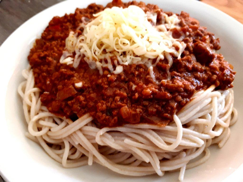 Reisspaghetti alla bolognese