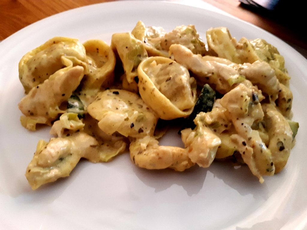 "Asiatische ""Tortellini ai Funghi"" Chicken Curry"