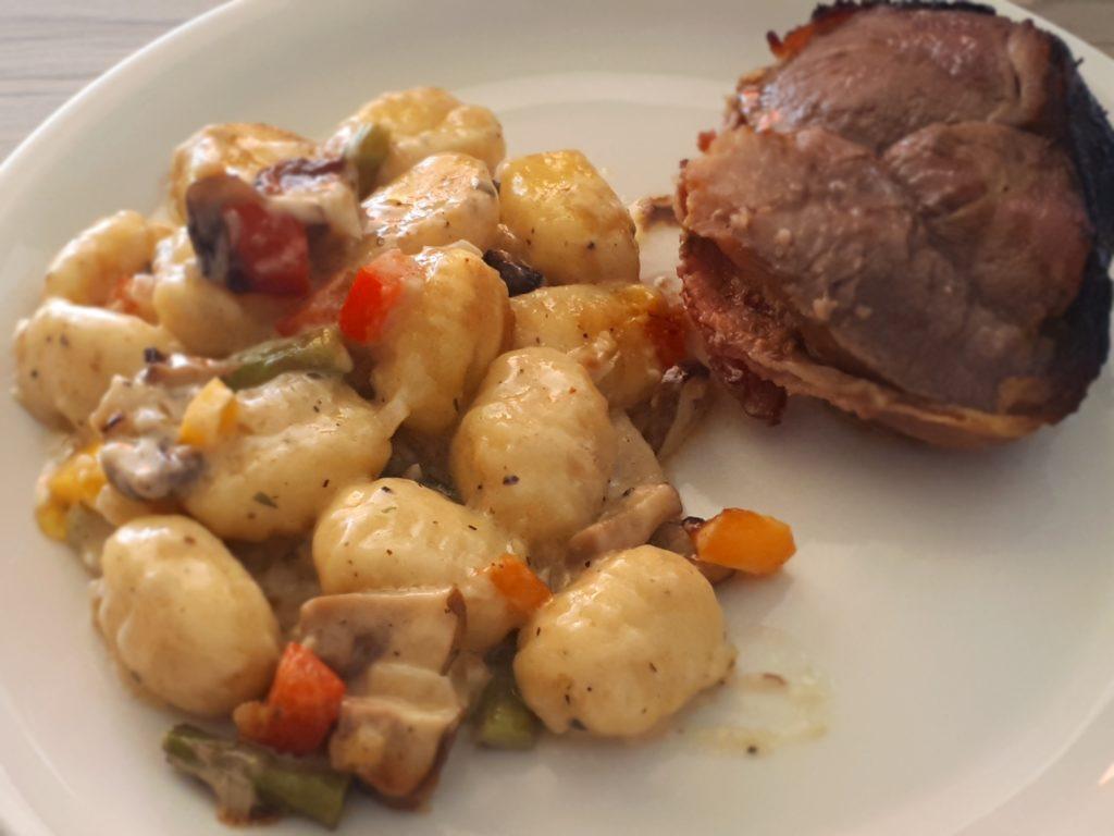 Spargel-Gemüse-Gnocchi-Gratin